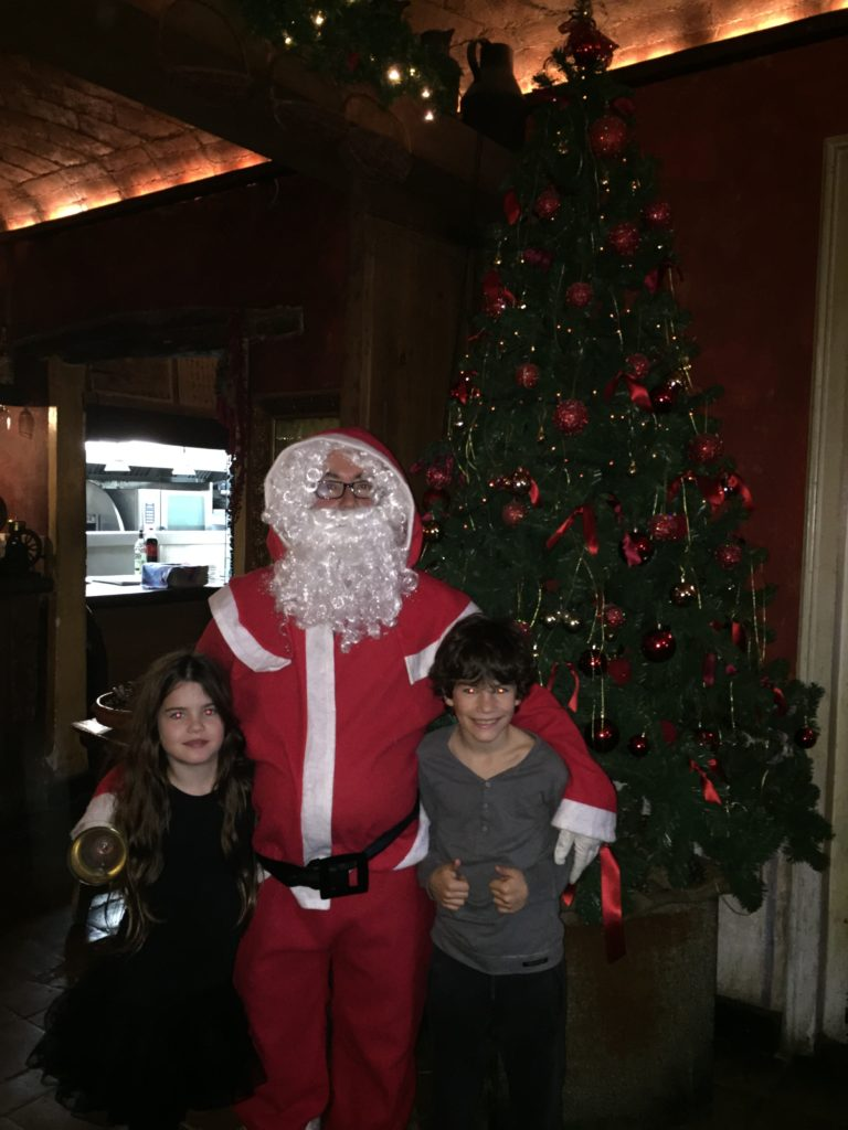 Papá Noel visita Grup Travi